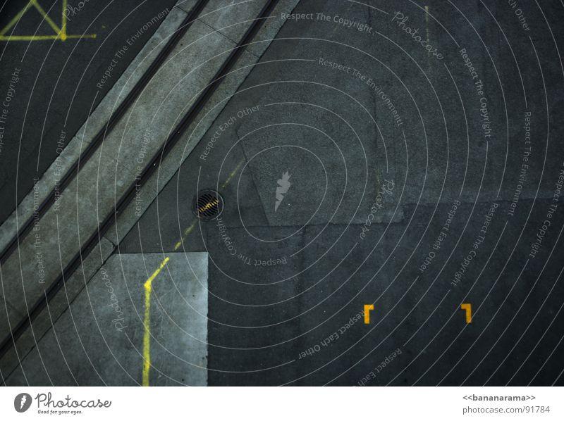 Strassengeometrie Stadt gelb Straße Linie Schilder & Markierungen Beton Eisenbahn Kreis Platz Industriefotografie rund Bodenbelag fantastisch Gleise Quadrat