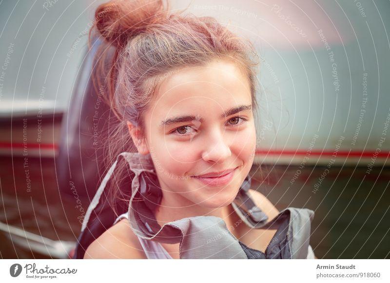 Porträt im Boot Mensch Frau Kind Ferien & Urlaub & Reisen Jugendliche schön Freude Erwachsene Gefühle feminin Glück Kopf Lifestyle Freizeit & Hobby authentisch