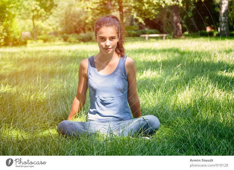 Wille Mensch Frau Kind Natur Jugendliche blau schön grün Sommer Erholung Erwachsene Leben Gefühle Wiese feminin Frühling