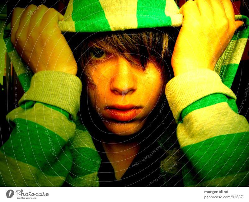 gestreift // Hand grün Gesicht Auge gelb Gefühle Lippen Streifen Pullover
