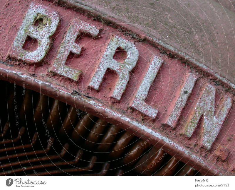 Berlin Stadt rot Makroaufnahme Nahaufnahme Rost
