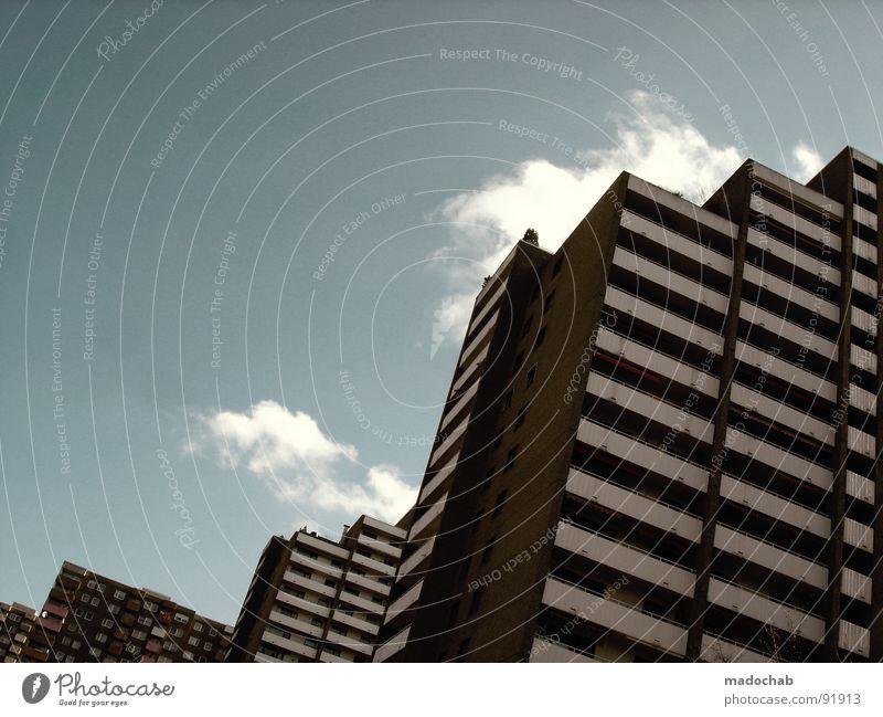 WOLLT NUR MA HALLO SAGEN Himmel Stadt Haus Leben Fenster Architektur Gebäude Arbeit & Erwerbstätigkeit Wohnung Beton Design Hochhaus trist Häusliches Leben
