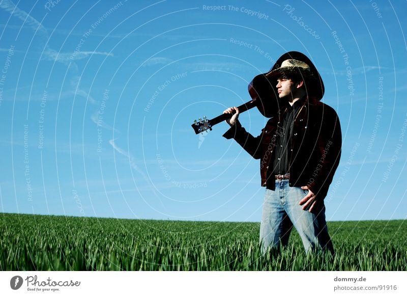 YEEHAA II Cowboy Kerl Mann Gras Sommer Frühling Vieh Hirte Jacke Wildleder Hemd Cowboyhut Stroh Strohhut Spielen Musik Klang akustisch Knöpfe Hand Streifen böse
