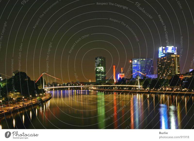 Mainimpressionen von Frankfurt Wasser Ferne Lampe glänzend Hochhaus Romantik Frankfurt am Main Nachtaufnahme