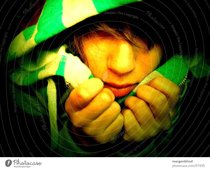 cacher ruhig grün gelb gestreift Lippen Hand Frau Gefühle Mund Angst verstecken Haare & Frisuren Gesicht