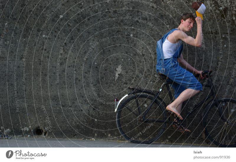 howdy buddy..  wir fahrn nach rolleyes Fahrrad Beton Landwirt Entertainment Gruß Latzhose