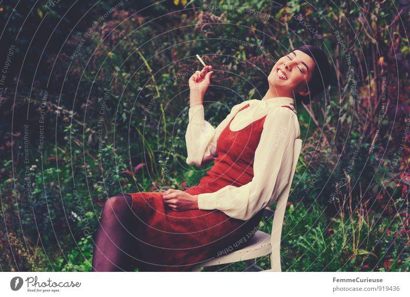 Fräulein_07 Mensch Frau Natur Jugendliche schön weiß Junge Frau Freude 18-30 Jahre Erwachsene feminin Glück lachen Garten elegant Idylle