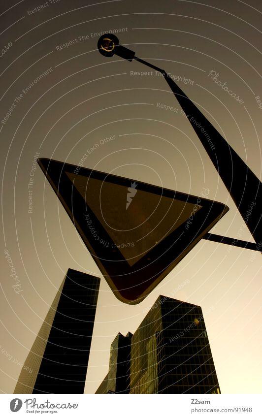 twins_02 Himmel grün Stadt Haus gelb dunkel Stil Gebäude Wärme Glas Hochhaus hoch Perspektive modern rund