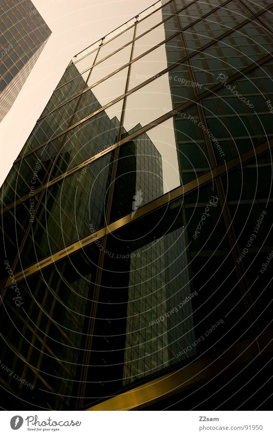 im toten winkel Reflexion & Spiegelung Macht Schatten Gebäude Haus Hochhaus Fenster Stil graphisch einfach sehr wenige modern Ecke Glas Gesprächspartner