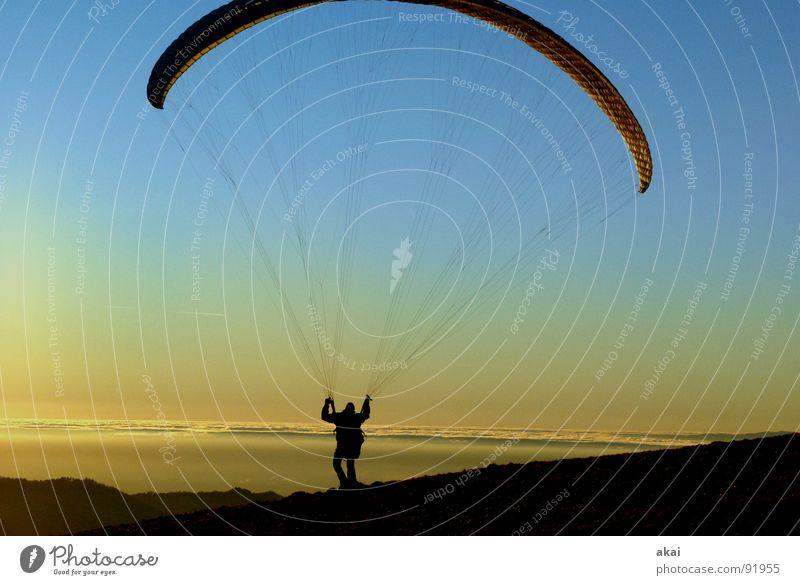 Gleitschirm am Schauinsland 2 Sonne Freude Ferien & Urlaub & Reisen Farbe Sport Gefühle Berge u. Gebirge orange Beginn Fallschirm Romantik Abenddämmerung Planet