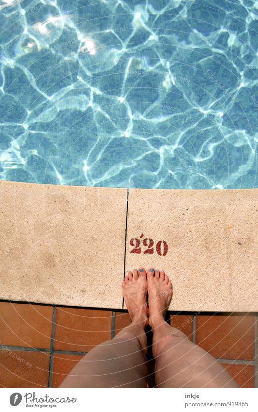 Wohlfühloase Mensch Frau Ferien & Urlaub & Reisen Wasser Sommer Sonne Freude Erwachsene Leben Gefühle Schwimmen & Baden Freizeit & Hobby Lifestyle Angst
