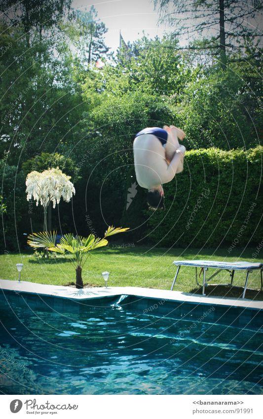 Mein Vadda macht nen Salto! Wasser Sommer Freude springen Frühling Garten Wärme Schwimmbad Physik Schwimmen & Baden Trampolin