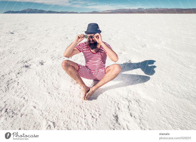 hallo wach! Mensch Ferien & Urlaub & Reisen Mann weiß rot Berge u. Gebirge Erwachsene Schnee Lifestyle See Mode maskulin sitzen Kultur Wüste Bart