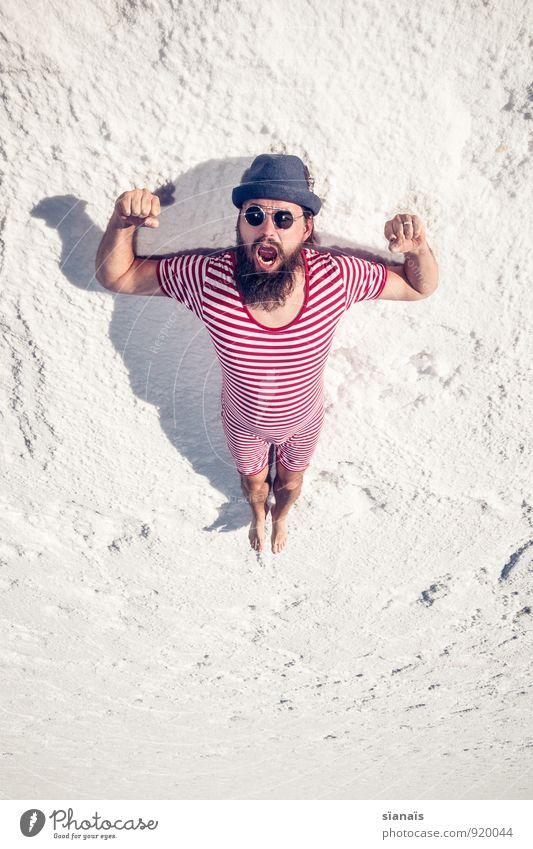 Übung Nr. 2 Ferien & Urlaub & Reisen Mann weiß rot Erwachsene Lifestyle maskulin sitzen warten Wüste Hut Bart Sonnenbrille Surrealismus gestreift Rausch