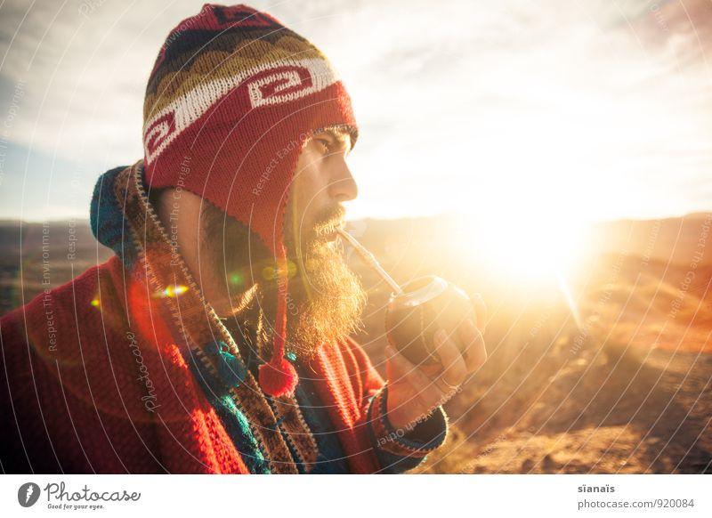 Wachmacher Mensch Ferien & Urlaub & Reisen Mann Sonne rot Ferne Erwachsene Freiheit maskulin Lifestyle Tourismus genießen Abenteuer Pause Kaffee Mütze