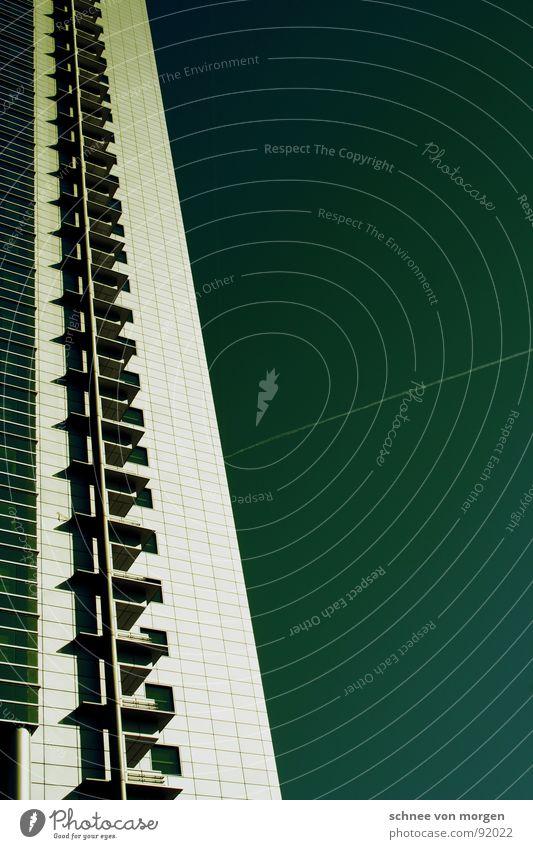 metermaß Himmel Flugzeug Hochhaus Macht Balkon Etage Frankfurt am Main