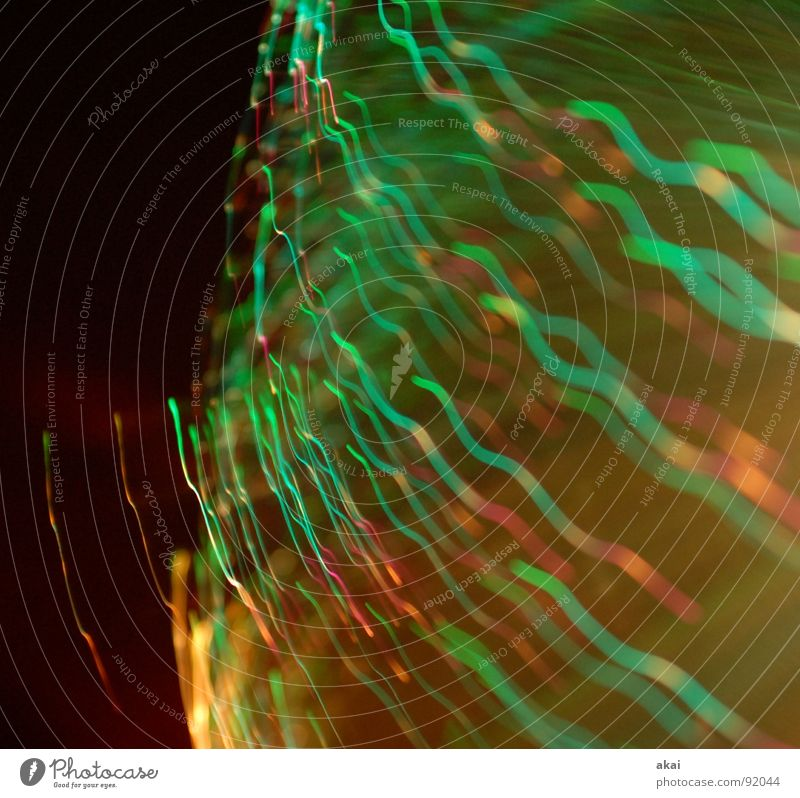Ufo-Lichterspiel 5 Ufolampe Fernsehlampe Belichtung UFO Lichtspiel Langzeitbelichtung Experiment Streifen Glasfaser Studie Wohnzimmer streifenlicht fernsehlicht
