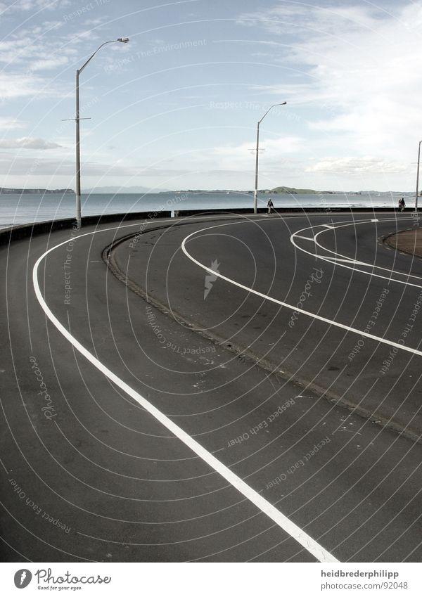 This Line blau weiß schwarz Straße Linie Horizont Unendlichkeit Laterne Neuseeland