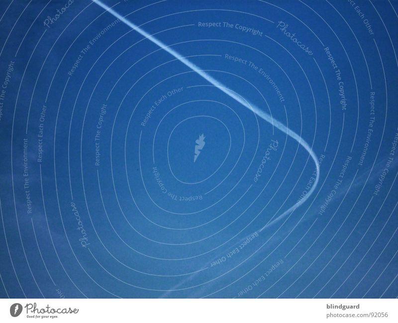 Hijacked Himmel blau Ferien & Urlaub & Reisen weiß Wolken gefährlich Flugzeug Luftverkehr Ziel Kondensstreifen Terror abbiegen Streifen Entführung Entführer