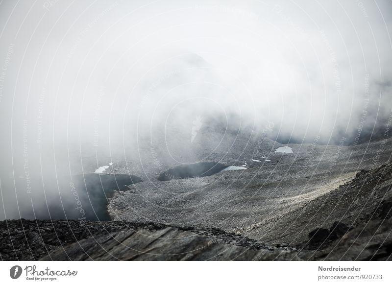 Endzeit.... Natur Einsamkeit Landschaft Ferne dunkel kalt Berge u. Gebirge Wege & Pfade Stein Felsen Regen Nebel Klima bedrohlich Abenteuer Urelemente