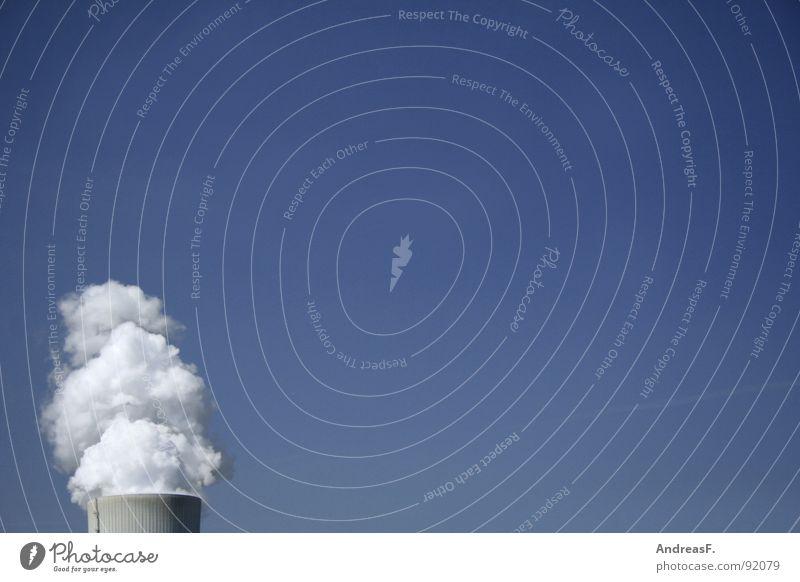 CO2-Schleuder Himmel blau Sommer Wolken dreckig Industrie Energiewirtschaft Elektrizität Klima Abgas Schornstein Gegenteil Klimawandel Stromkraftwerke Kohlendioxid Braunkohle