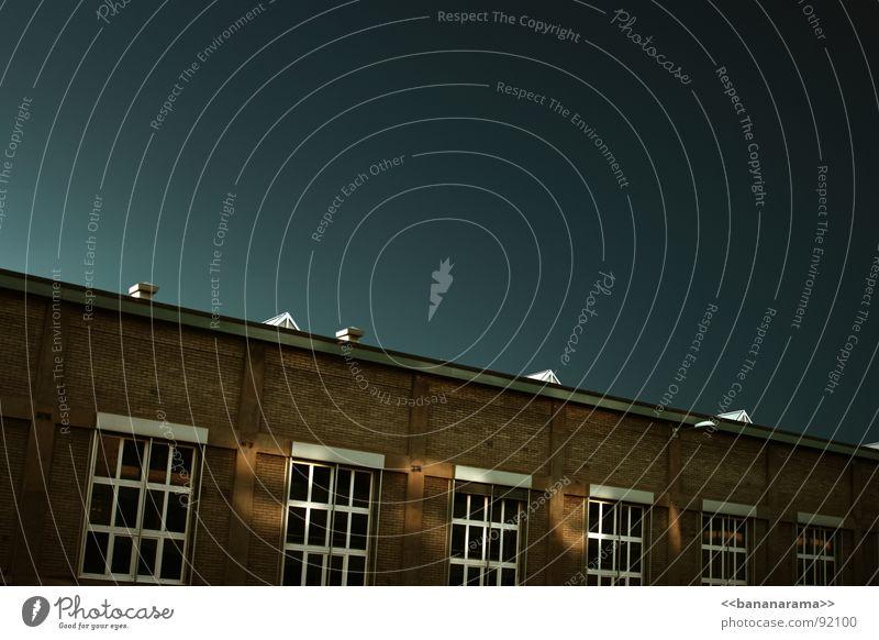 Meine Fabrik alt Himmel Haus dunkel Wand Fenster Mauer Gebäude Raum Horizont Industrie Backstein Lagerhalle Parkhaus Produktion