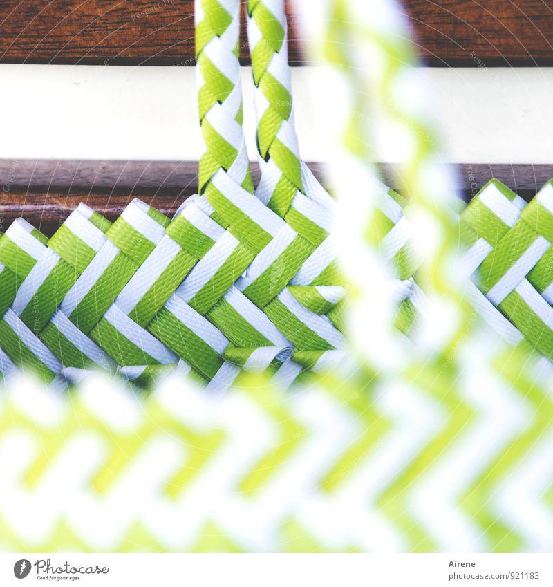 Plastik statt Jute Verpackung Korb Tasche Badetasche Einkaufstasche Tragegriff Kunststoff Zickzack tragen Coolness grün weiß hellgrün leuchtend grün netzartig