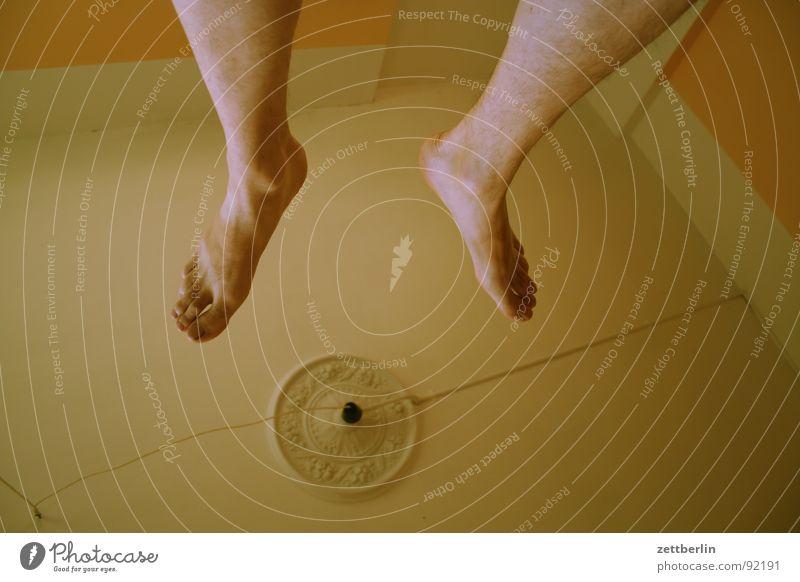 Yoga Wand Spielen Fuß Bodenbelag Verkehrswege hängen Barfuß Decke vertikal obskur Zehen Turnen wirklich wahrnehmen Funsport