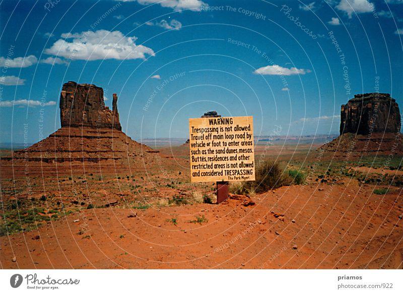 Wüste-Warnung Natur Sand Landschaft Felsen USA Wüste Nationalpark Warnschild
