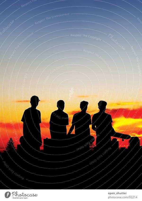 a hard days skate Sonnenuntergang Sommer Himmel Spielen skateboarders friends night Silhouette darkness skaters dusk
