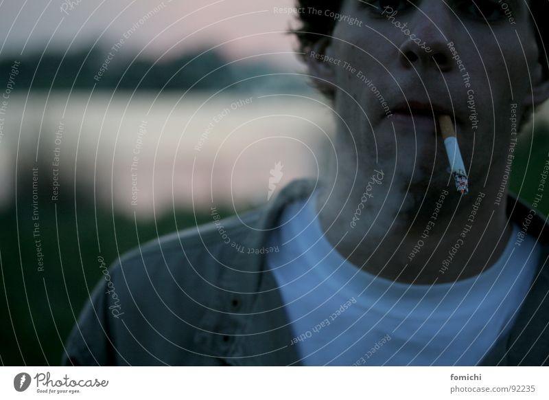 fluppen & beck's am werdersee (2) Freude ruhig See Rauchen genießen Tiefenschärfe Rauschmittel Zigarette Sonnenuntergang