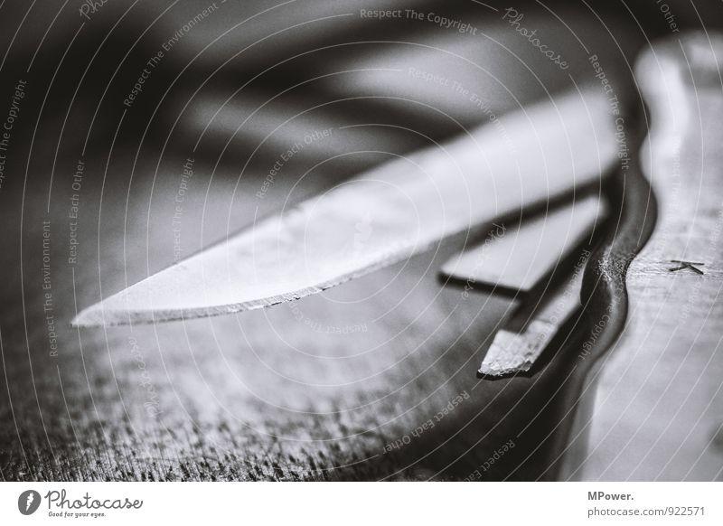 tool two Werkzeug Technik & Technologie Aggression Messer Klingel Klappmesser Scharfer Gegenstand Stahl Schwarzweißfoto Nahaufnahme Menschenleer Kontrast