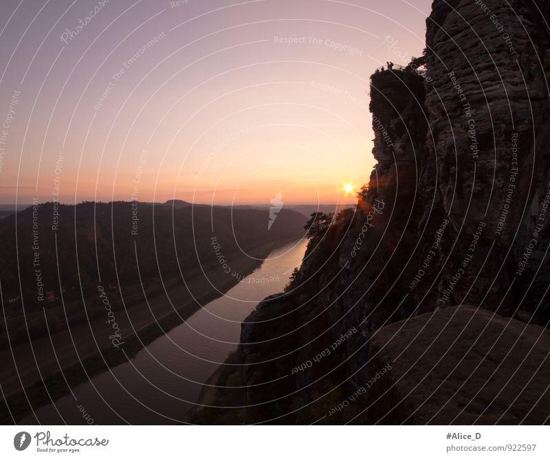 Elbe Landschaft Blick von der Basteibrücke Natur Ferien & Urlaub & Reisen blau Wasser gelb Horizont Deutschland Tourismus wandern Europa Ausflug Abenteuer