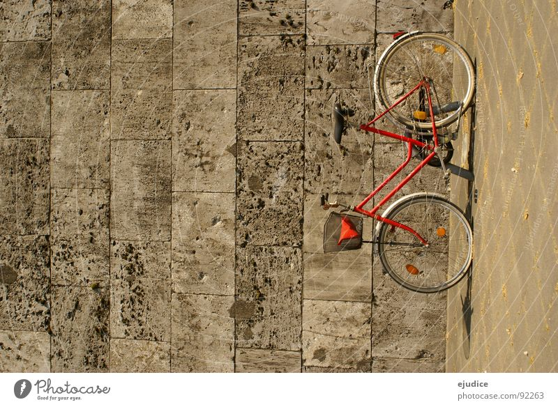 der rote blitz rot Wand Stein Fahrrad Verkehr