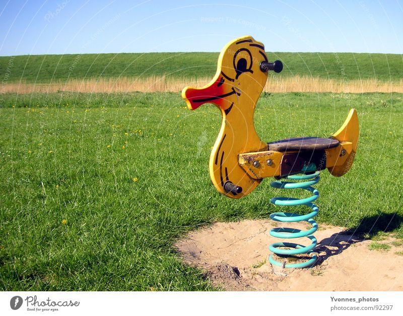Kindheitserinnerung Himmel Natur blau grün Ferien & Urlaub & Reisen rot Mädchen Sommer Strand Freude Tier Einsamkeit gelb Landschaft Wiese Spielen