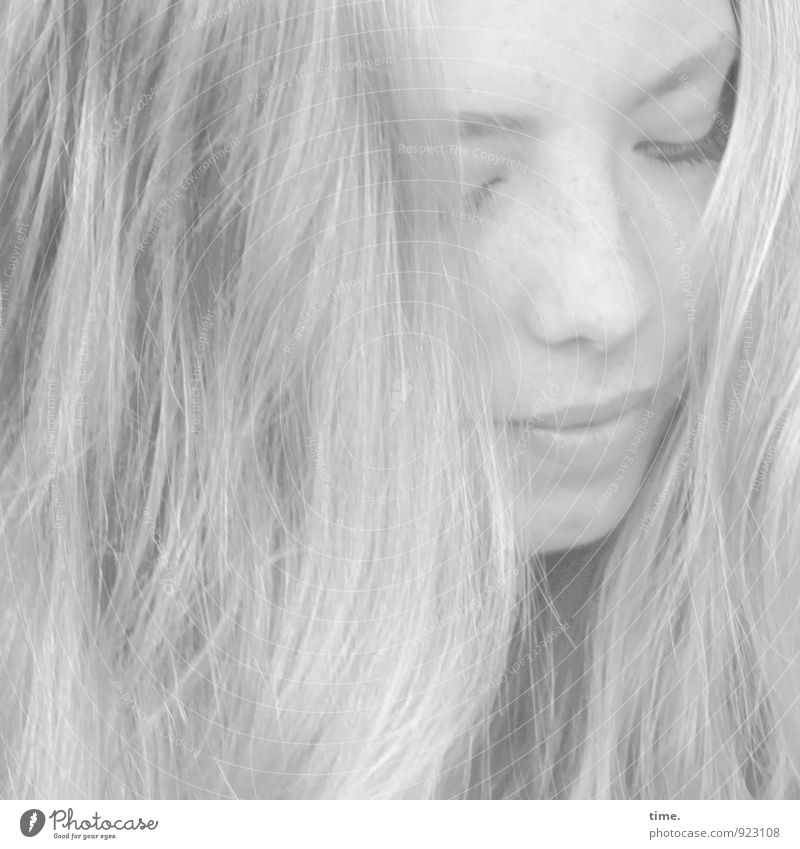 . Mensch Jugendliche schön Junge Frau Einsamkeit ruhig Gesicht Traurigkeit feminin Haare & Frisuren Zeit hell träumen Kraft blond warten
