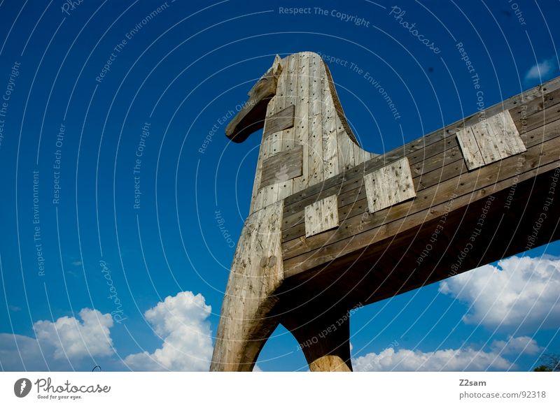 Trojanisches Pferd Wolken weiß Tier Holz Holzmehl Griechen Krieg Dinge trojaner trojanisches pferd Himmel blau animal Vergangenheit trojanischer krieg war