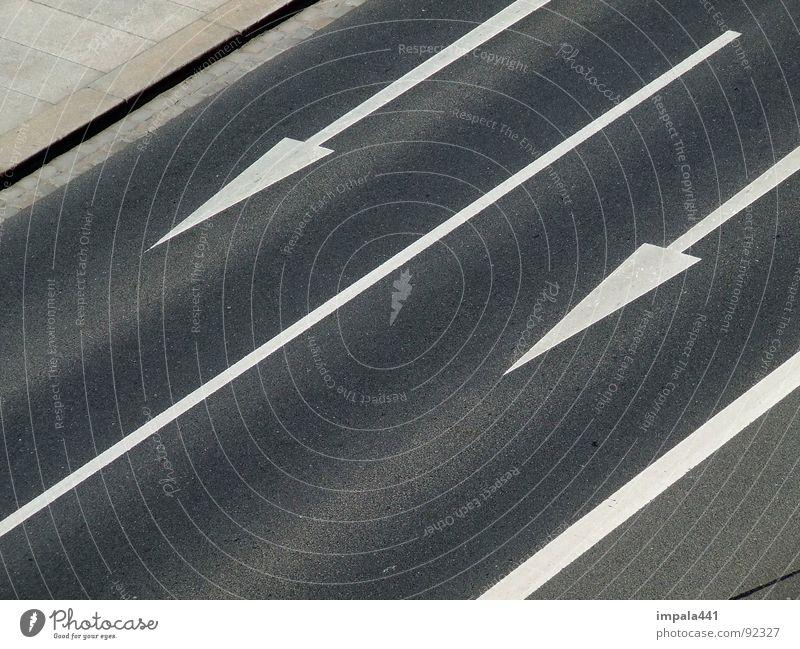 streetdarts weiß schwarz Straße Linie Kraft Kraft Bodenbelag Asphalt Pfeil Verkehrswege Doppelbelichtung