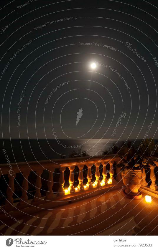Vollmond Himmel Nachthimmel Mond Sommer Schönes Wetter Balkon Terrasse Erholung Sommernacht Geländer Säule Naturstein Terrakotta Blumentopf Kaktus Aussicht