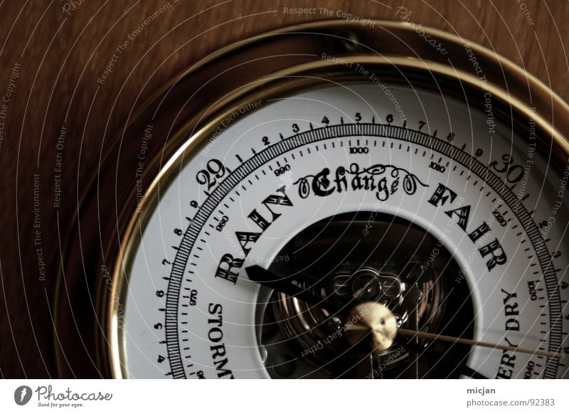 Morgen wirds HEISS! HEISS! HEISS! alt Sommer Wand Holz Metall Wetter glänzend elegant Wandel & Veränderung retro Technik & Technologie rund Ziffern & Zahlen