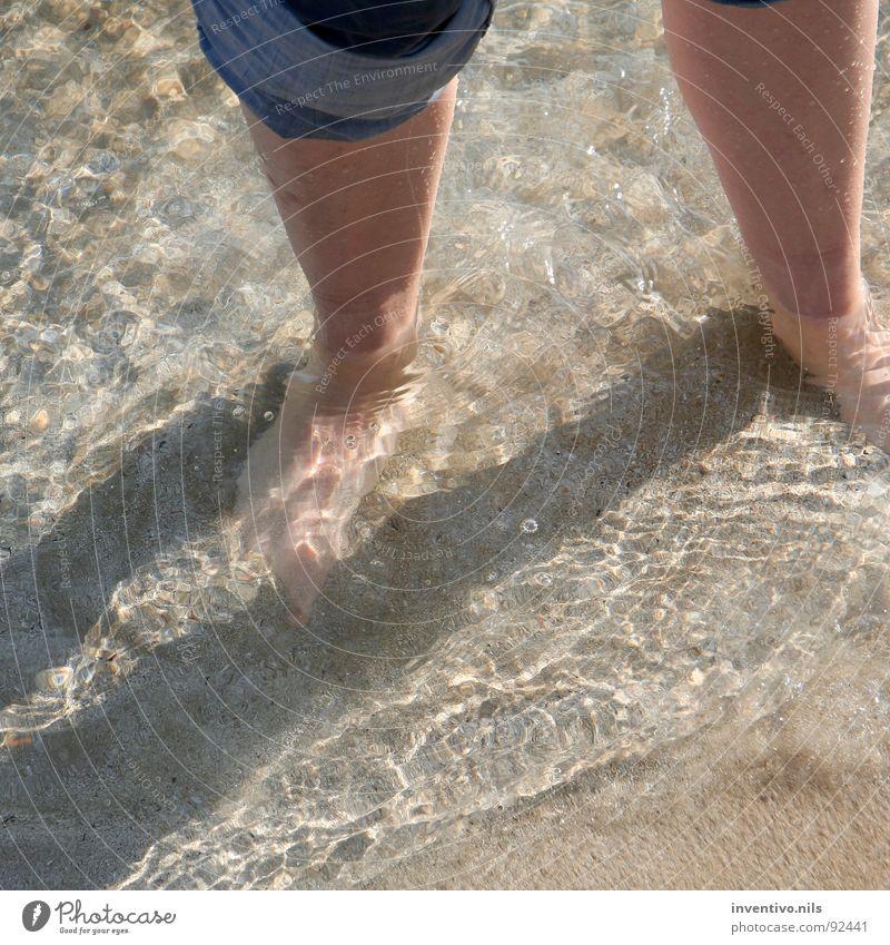 dos pies en el mar Meer Spanien See Strand Bad Kühlung kühlen Spaziergang gehen nass Wellen Süden mediterran Sommer Fuß Wasser Salz Sand Schwimmen & Baden