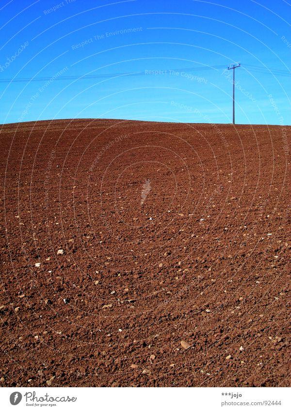 mars, nicht mond! Feld braun gepflügt Frühling himmelblau Kontrast ländlich Strommast Landwirtschaft Mond karg Himmel rural Amerika Kabel jojo auf dem mars Mars