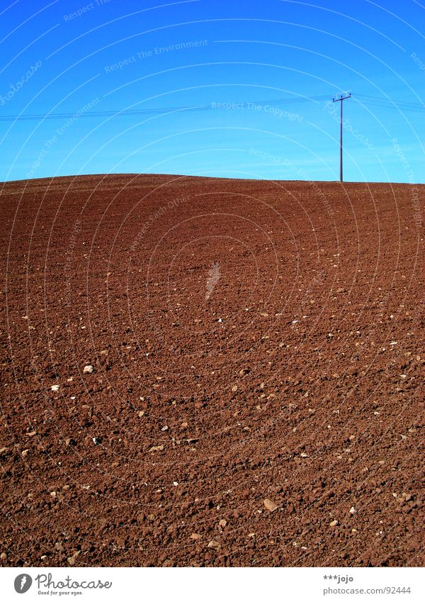 mars, nicht mond! Himmel blau Frühling braun Feld Kabel Landwirtschaft Amerika Mond Strommast ländlich Mars himmelblau karg gepflügt