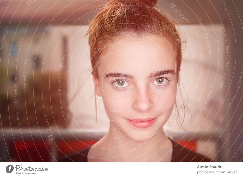 Porträt Mensch Frau Kind Jugendliche schön Erwachsene Gesicht Gefühle feminin Stil Glück Gesundheit Kopf Lifestyle Raum elegant