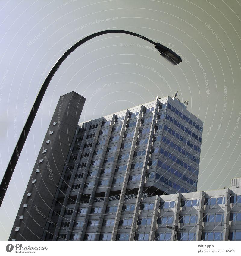 galgenfrist Berlin Fenster Business Architektur Deutschland Armut Fassade Treppe trist Aussicht Pfeil Reichtum Laterne Weltall Bauernhof