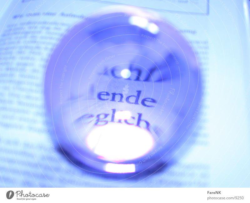 Ende Buch Briefbeschwerer Makroaufnahme Nahaufnahme Schriftzeichen Glas