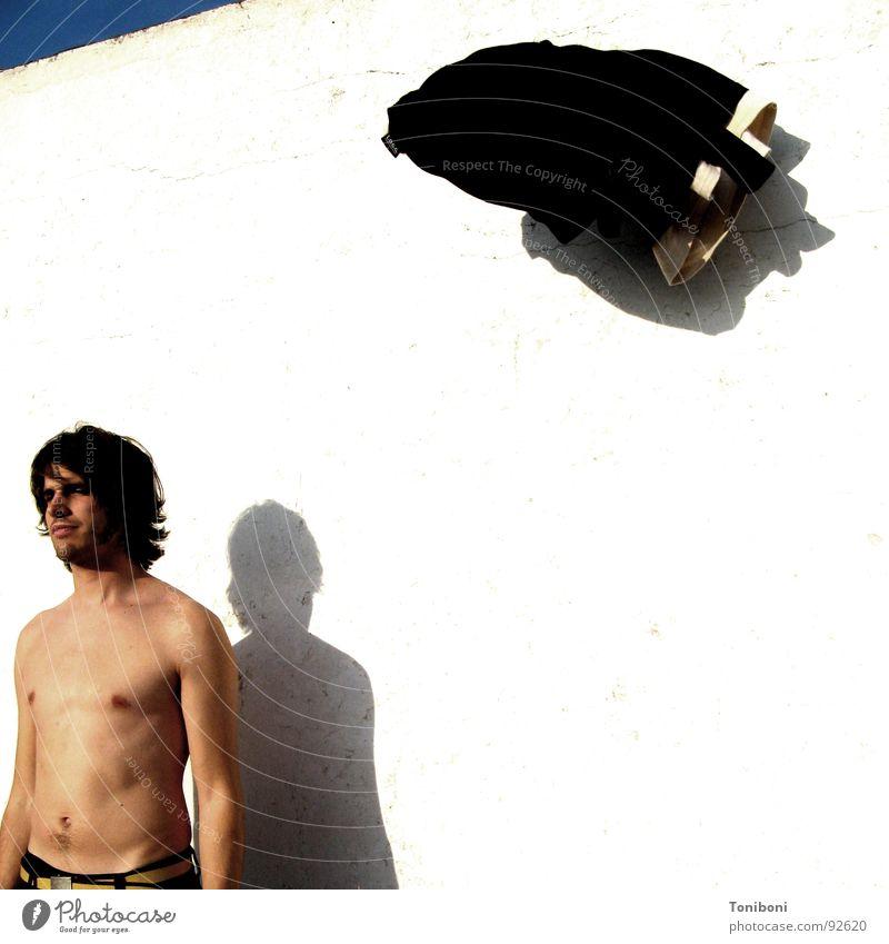 UFO Mann Student praktisch gefroren Pullover Bekleidung Wand unsichtbar Jugendliche Schatten Bewegung fliegen Attacke Mensch Unbekümmertheit