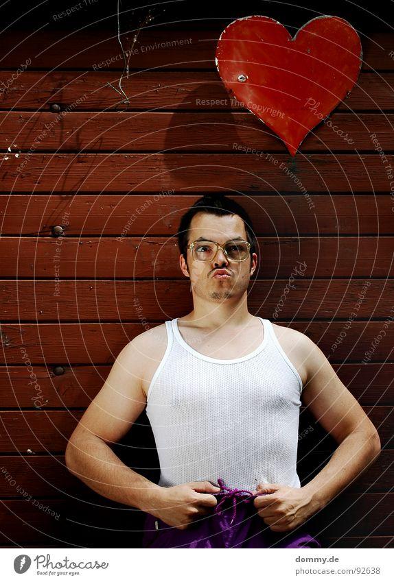 bestimmt! Asozialer unsozial Unterhemd Neunziger Jahre Brille Bart hässlich Porträt Proletarier Spießer dumm Barthaare Körperhaltung Mensch hornbrille Blick