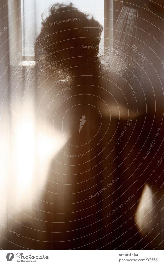 Psycho IV Bad Körperpflege Frau gesichtslos Duschkopf Schlüsselloch Wasserstrahl Privatsphäre feucht Akt Dusche (Installation) Waschen Einsamkeit