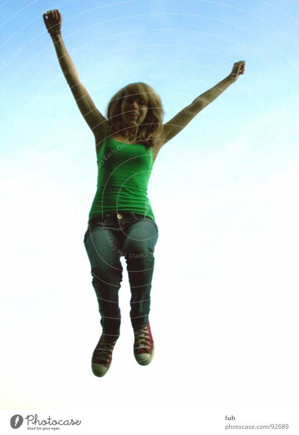 JUMP, BABY! Himmel weiß blau Freude Wolken springen Frühling lachen Fröhlichkeit Hannover himmelblau Maschsee